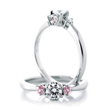 婚約指輪のアンジェ