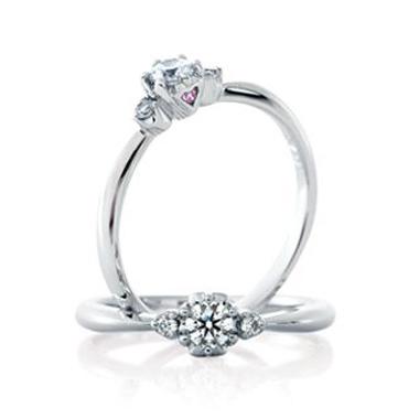 婚約指輪のマカロン