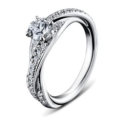 ゴージャス 婚約指輪のアイヴィ32