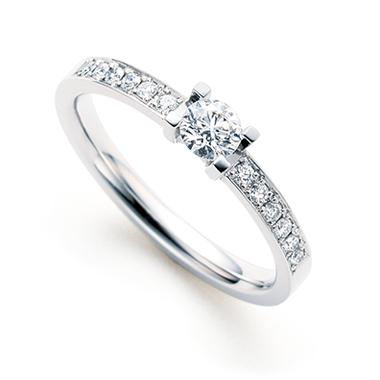 フェミニン 婚約指輪の八千代
