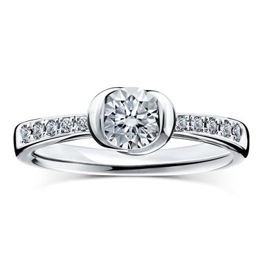 ゴージャス 婚約指輪のディヴァイン