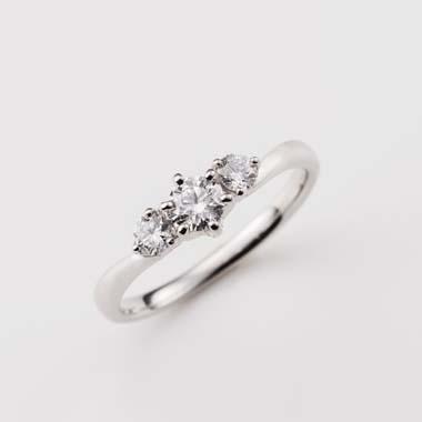 フェミニン 婚約指輪のBa-5-Eng