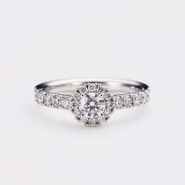 ゴージャス 婚約指輪のD-2-Eng