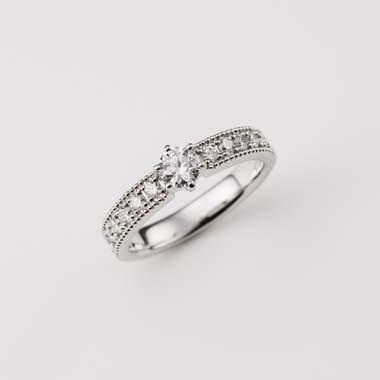ゴージャス,アンティーク 婚約指輪のE-1-Eng