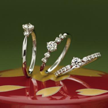 個性的 婚約指輪の八重桜エンゲージ