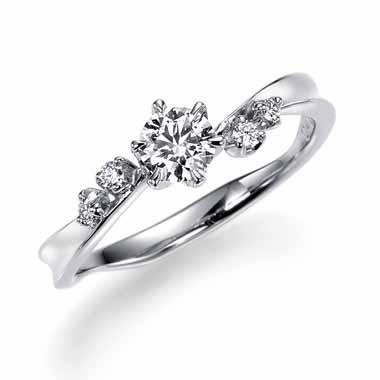ゴージャス 婚約指輪のスイートピー
