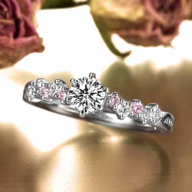 ゴージャス 婚約指輪のサント・シャベル