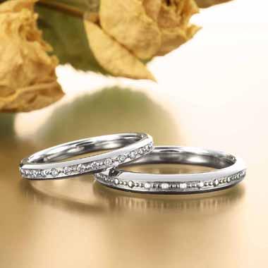 ゴージャス 結婚指輪のマドレーヌ教会