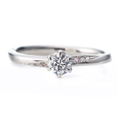 フェミニン 婚約指輪のアンシャンテ