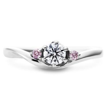 フェミニン 婚約指輪のエントレデュー