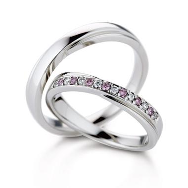 フェミニン 結婚指輪のラディアント