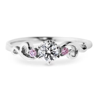 婚約指輪のアントレッセ