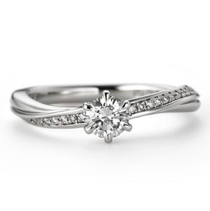 アンティーク 婚約指輪のクレッシェンド