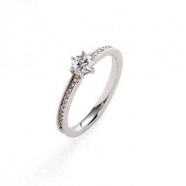 フェミニン 婚約指輪のsolco