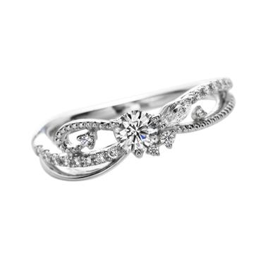 ゴージャス 婚約指輪のle monde du reve