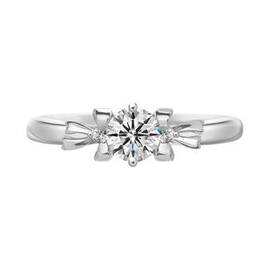 フェミニン,ゴージャス 婚約指輪のノア