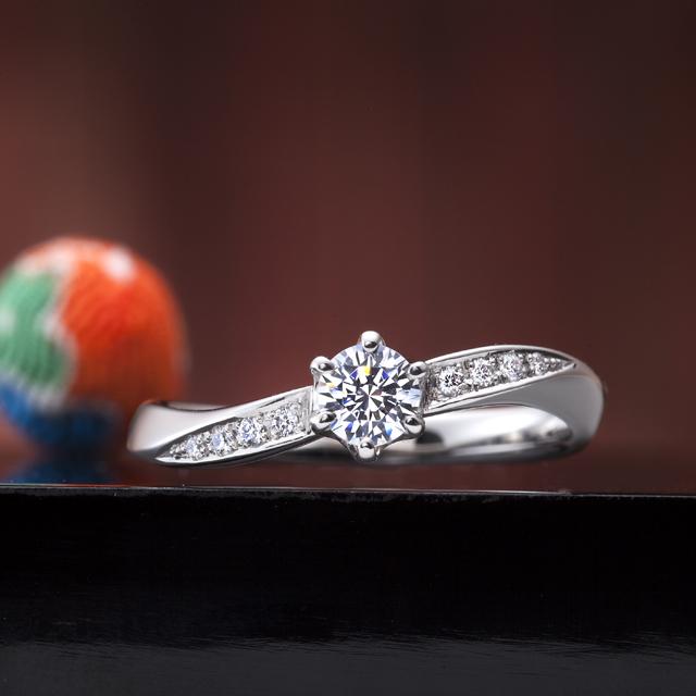フェミニン 婚約指輪の百年の約束