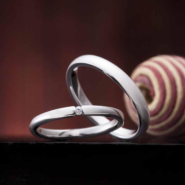 シンプル 結婚指輪の永遠の恋文
