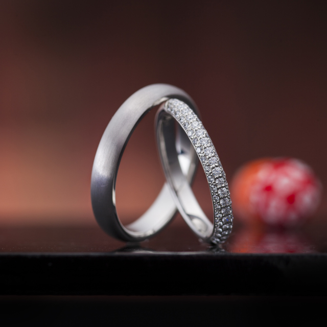 シンプル 結婚指輪の輝きの夢路