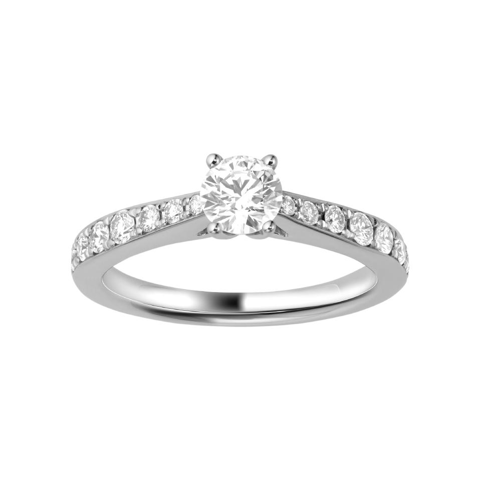 ゴージャス 婚約指輪のPRINCIPESSA