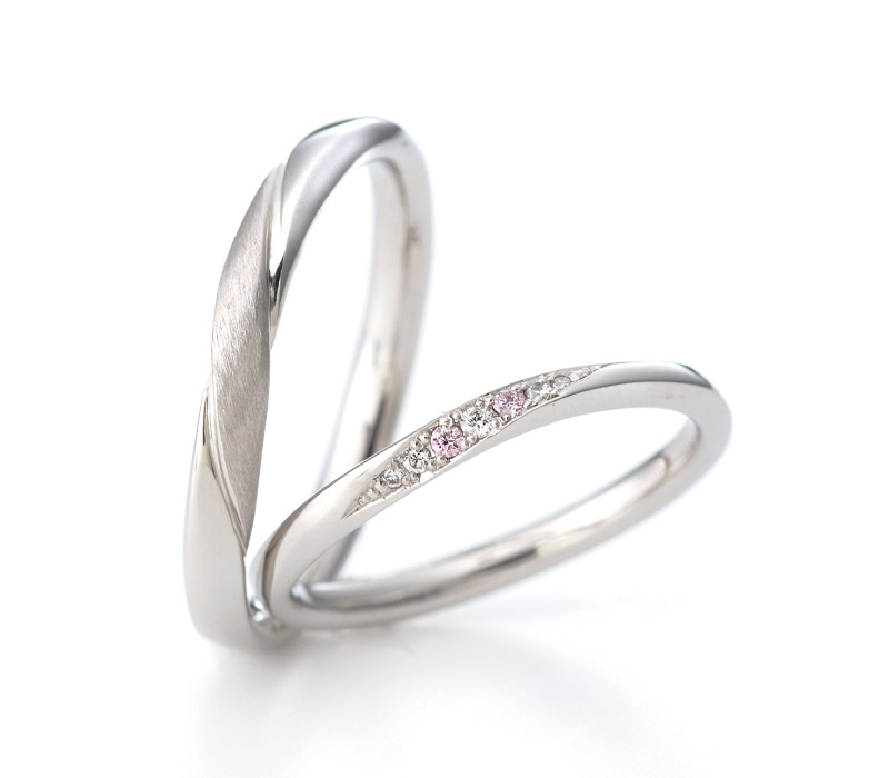 シンプル,フェミニン 結婚指輪のアンシャンテ