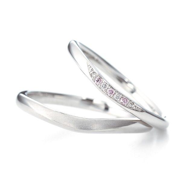 シンプル,フェミニン 結婚指輪のエステラ