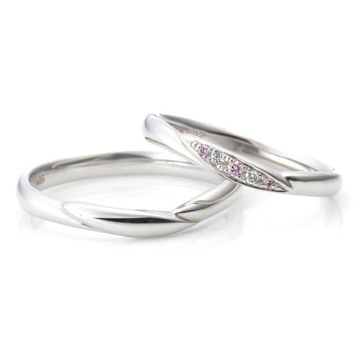 シンプル,フェミニン 結婚指輪のオーバーチュア