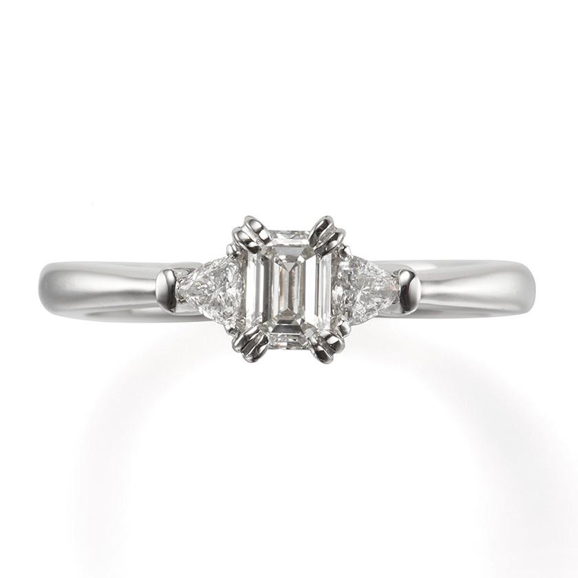 婚約指輪のアマン