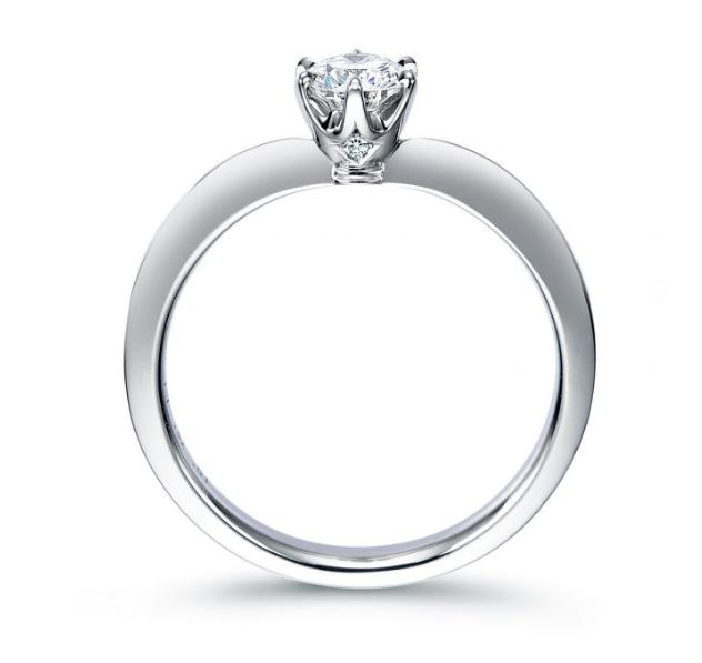 シンプル,ゴージャス 婚約指輪のERA809