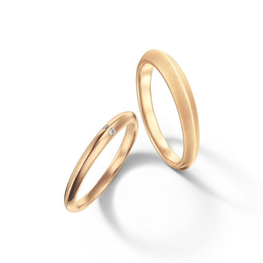 フェミニン,個性的 結婚指輪のふたり