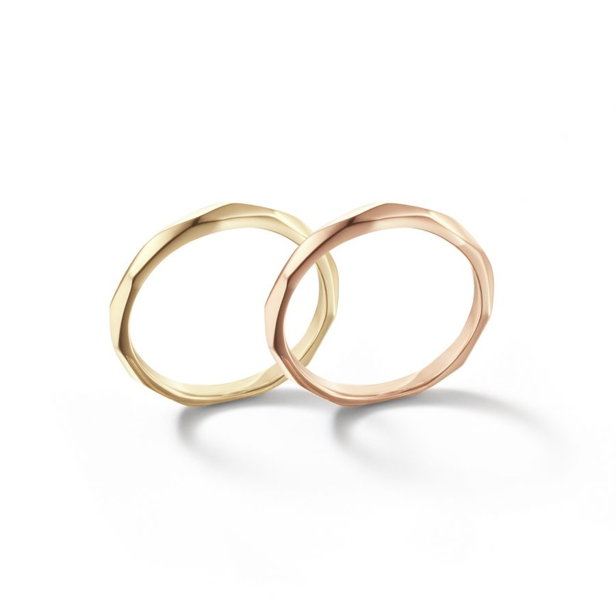 フェミニン,個性的 結婚指輪の光