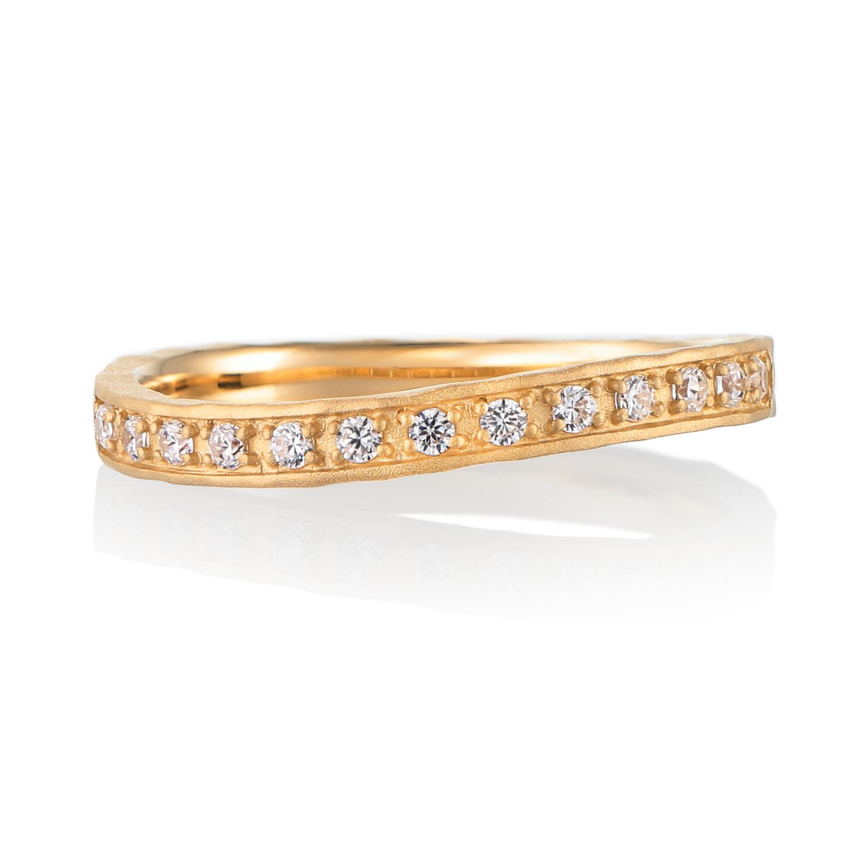 シンプル,フェミニン 婚約指輪のカドー