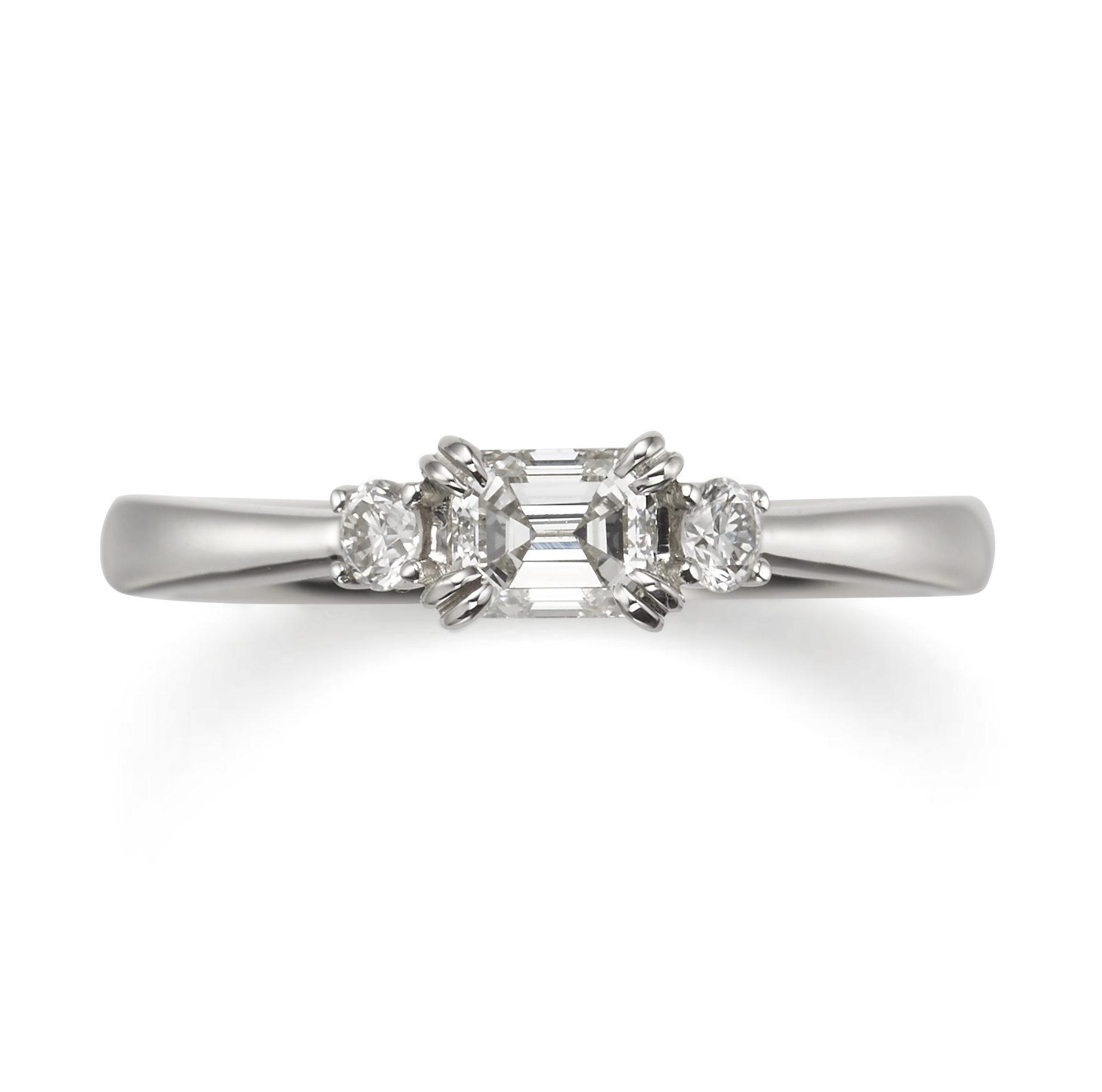 個性的 婚約指輪のタイム